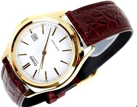 Đồng hồ kim dây da có trên thị trường không?