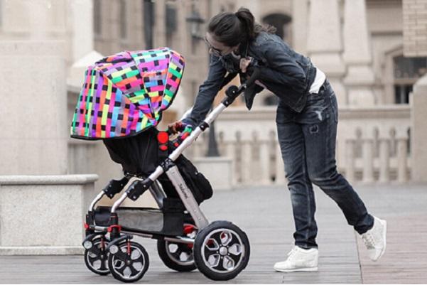 Nên mua xe đẩy em bé cũ của hãng nào?